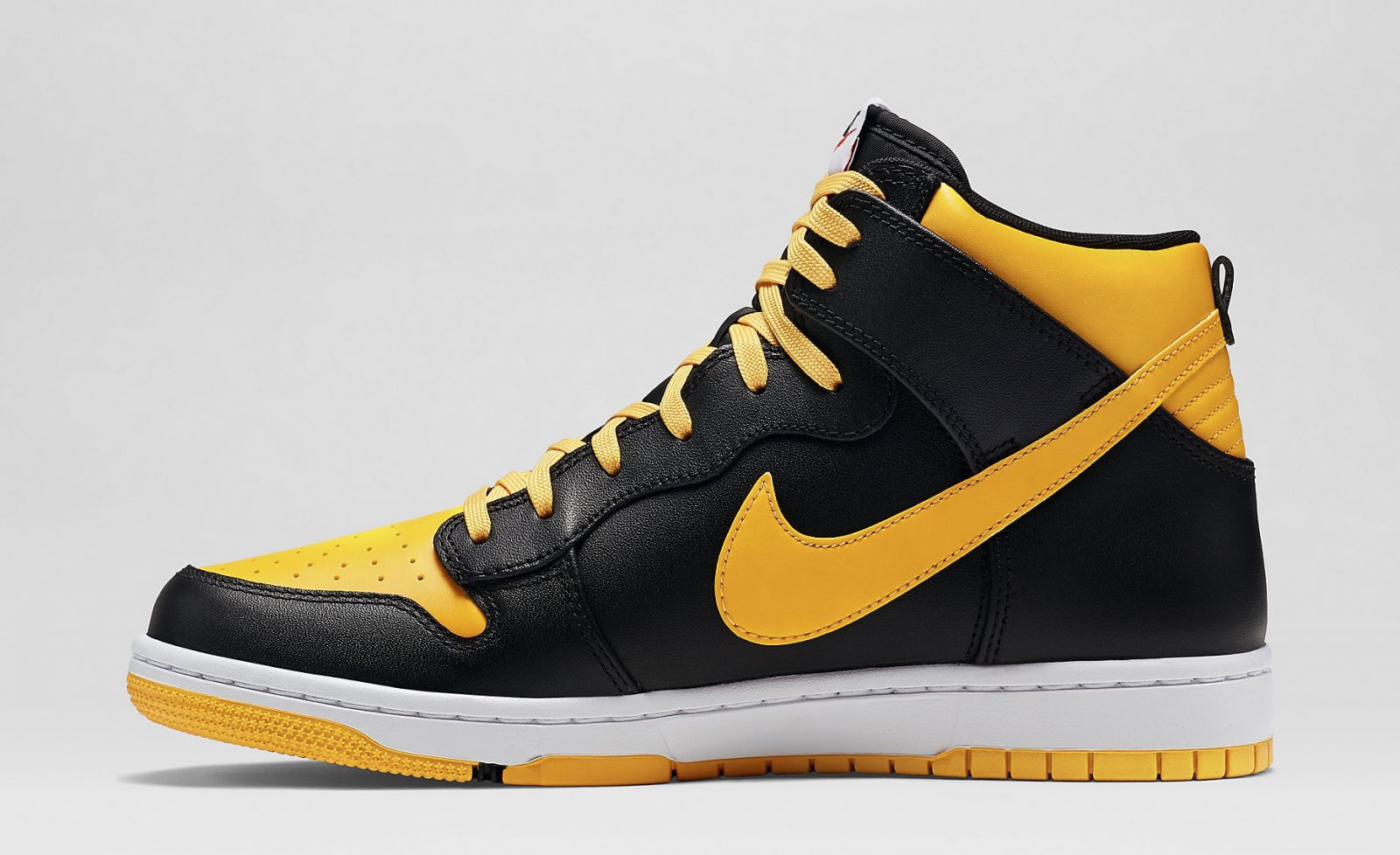 best sneakers 03379 9c5f4 More Nike Dunks That Look Like Air Jordans   Sole Collector