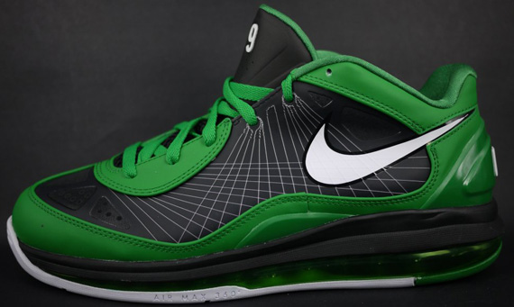 Nike Basketball outfits Rajon Rondo for the playoffs with this PE edition of the Air Max 360 BB Low