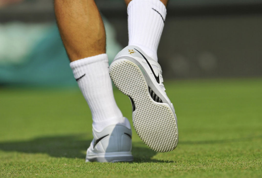 Roger Federer wearing Nike Vapor 9 Tour White Sole