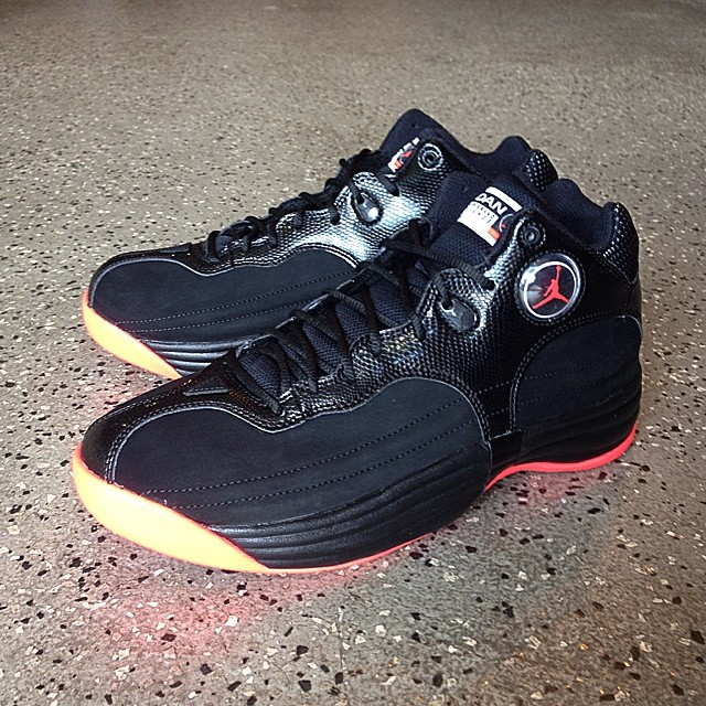 Jordan Jumpman Team 1 Black/Infrared 23