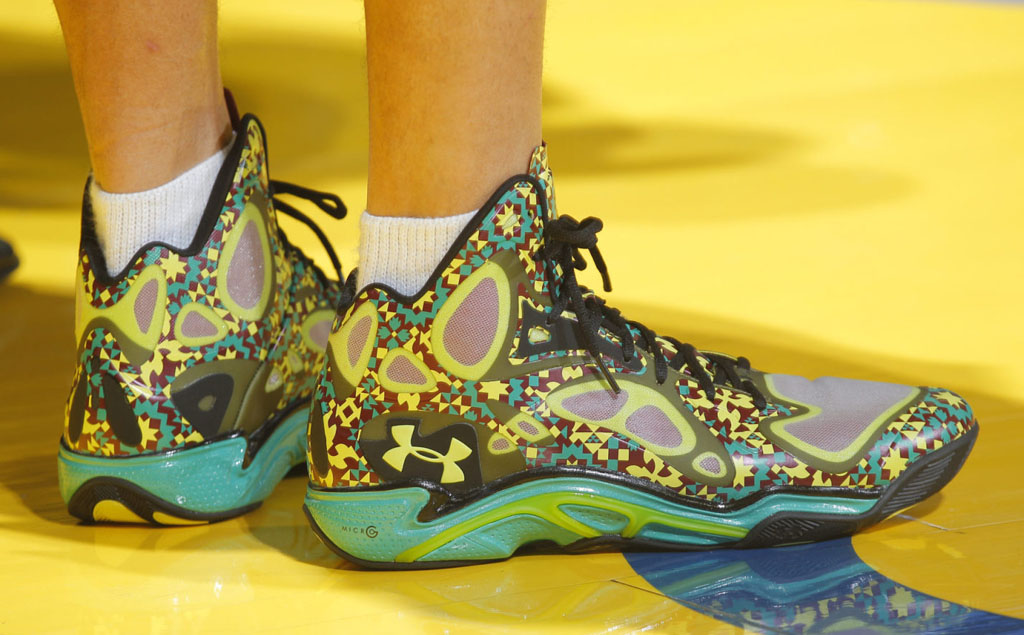 Stephen Curry Wears 'Black History Month' Under Armour Anatomix Spawn