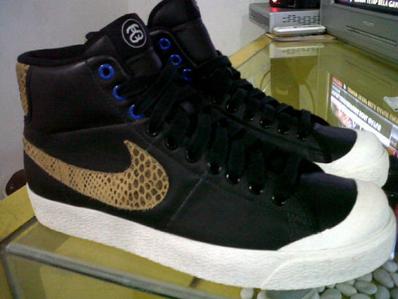 separation shoes 2417c dadc7 First Look: Stussy x Nike All Court Mid | Sole Collector