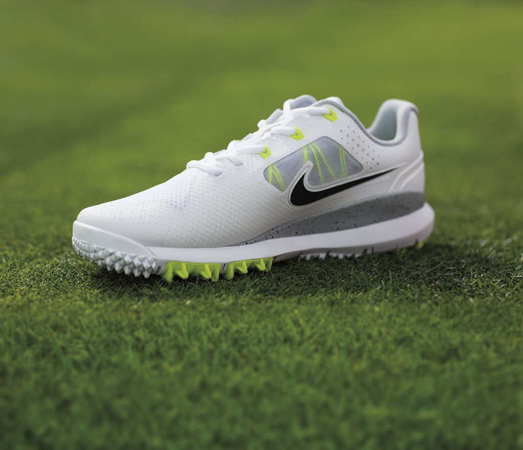 Tiger Woods New Nike Shoes
