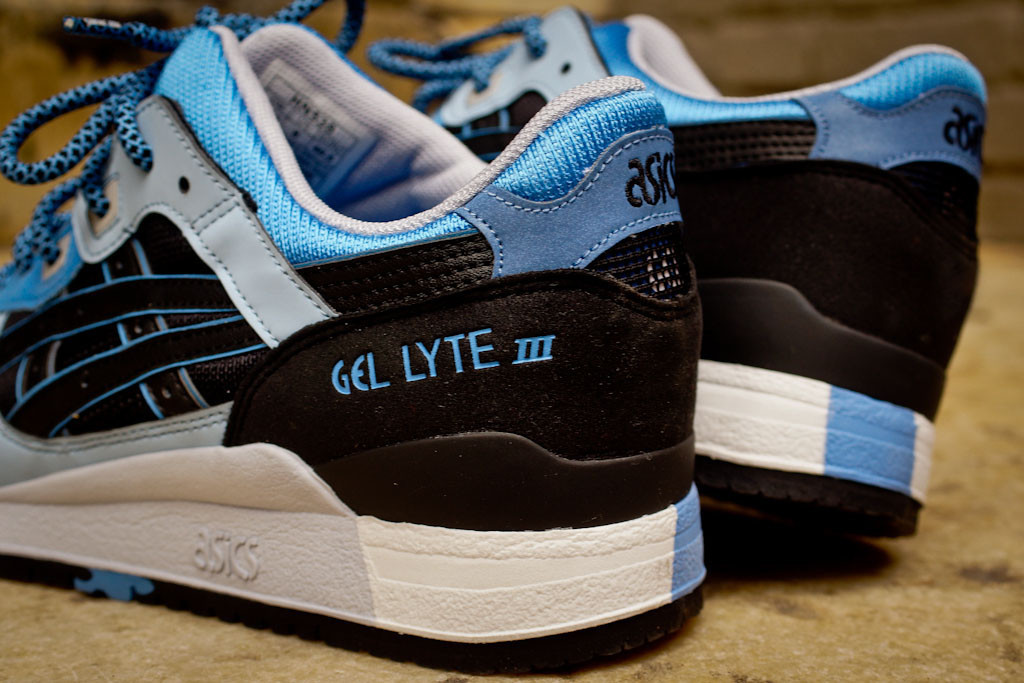 asics gel lyte iii black/carolina blue