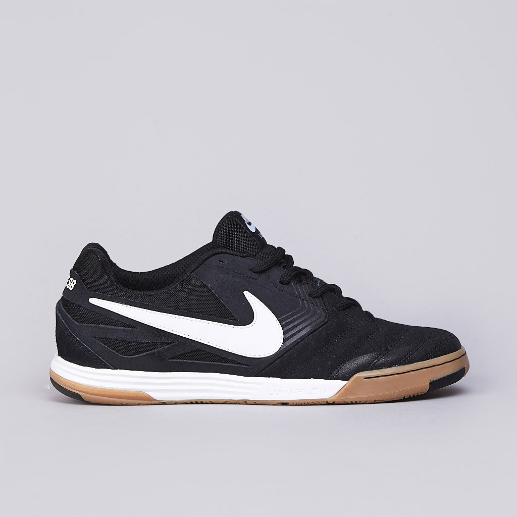 Nike SB Lunar Gato in black white gum profile