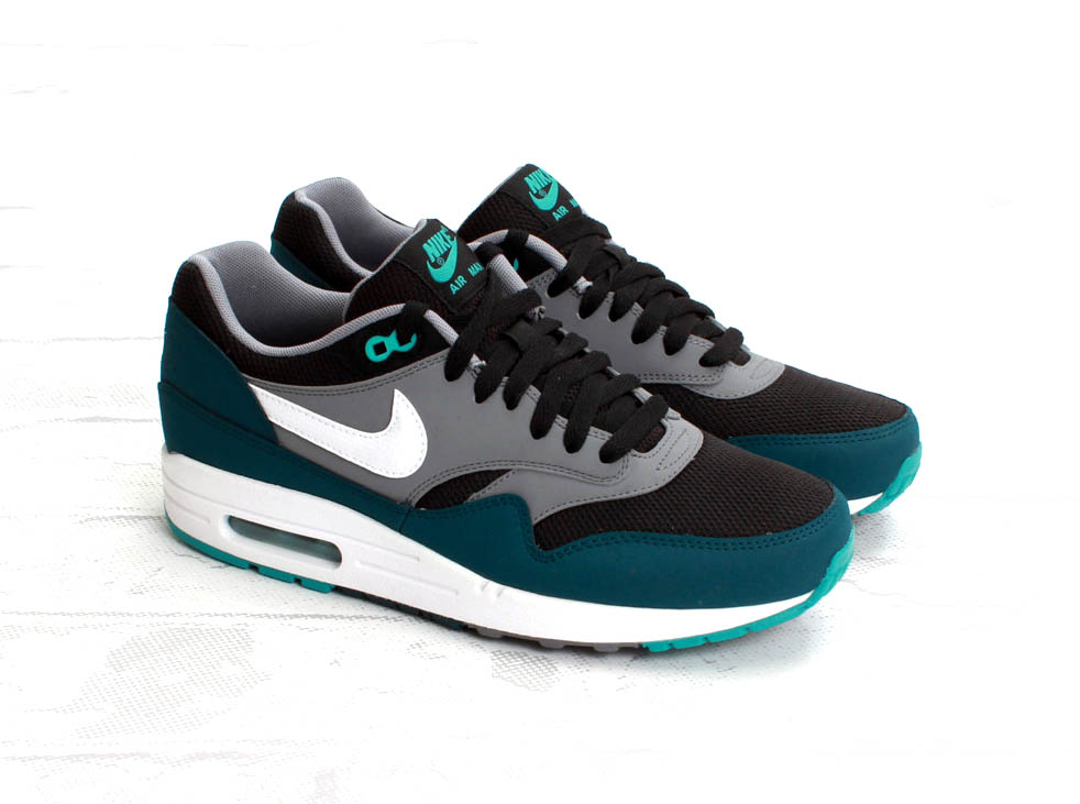 nike air max 1 essential limited