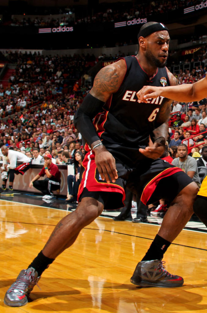 LeBron James wears Nike LeBron X Pewter Grey Red PE (8)