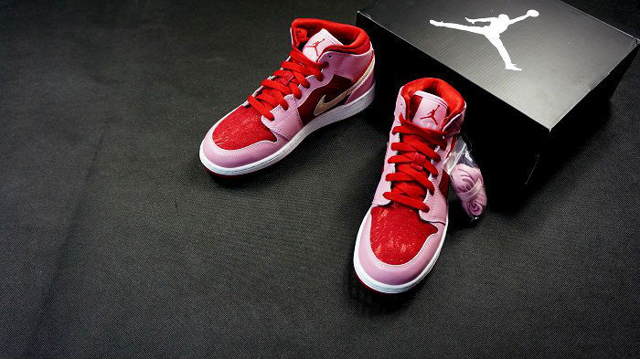 best sneakers c7511 6a094 Air Jordan Retro 1 Mid GS - Valentine's Day 2013 | Sole ...