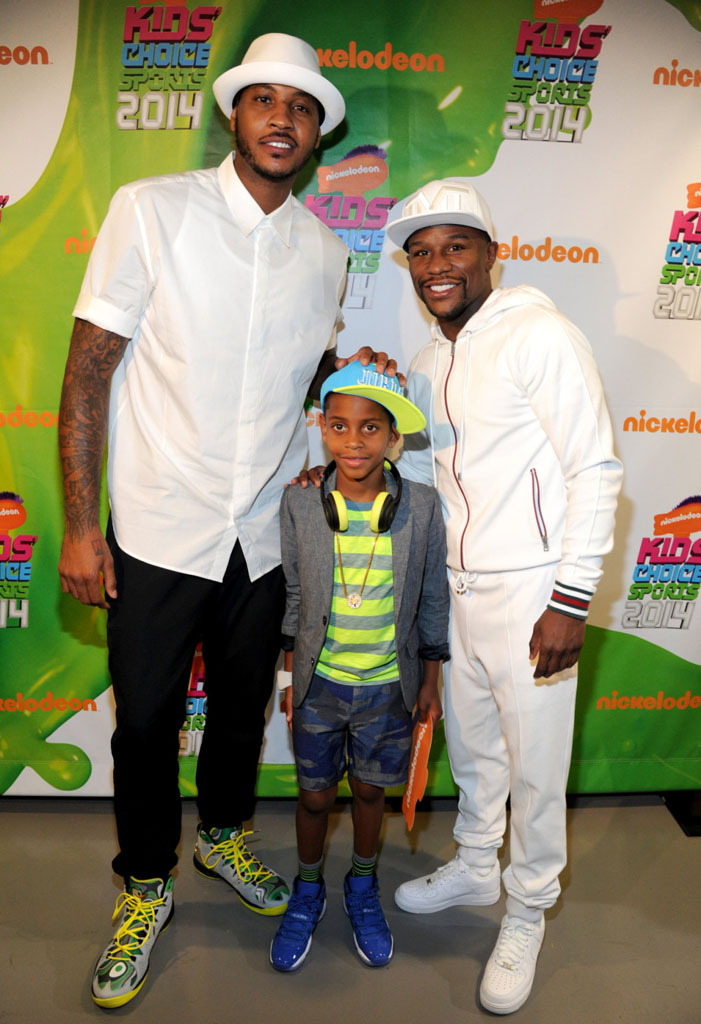 Carmelo Anthony wearing Jordan Melo M10 Oregon Ducks; Kiyan Anthony wearing Air Jordan XI 11 Blue; Floyd Mayweather wearing Nike Air Force 1