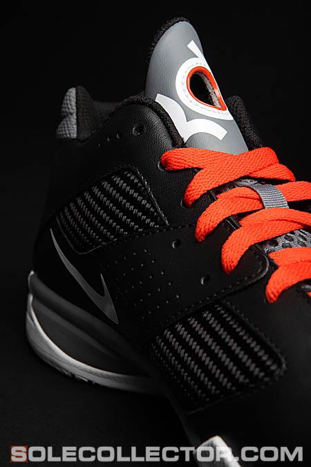 586a9662152c Closer Look  Nike Zoom KD III POP Away