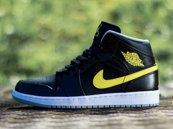 nike air jordan 1 yellow black