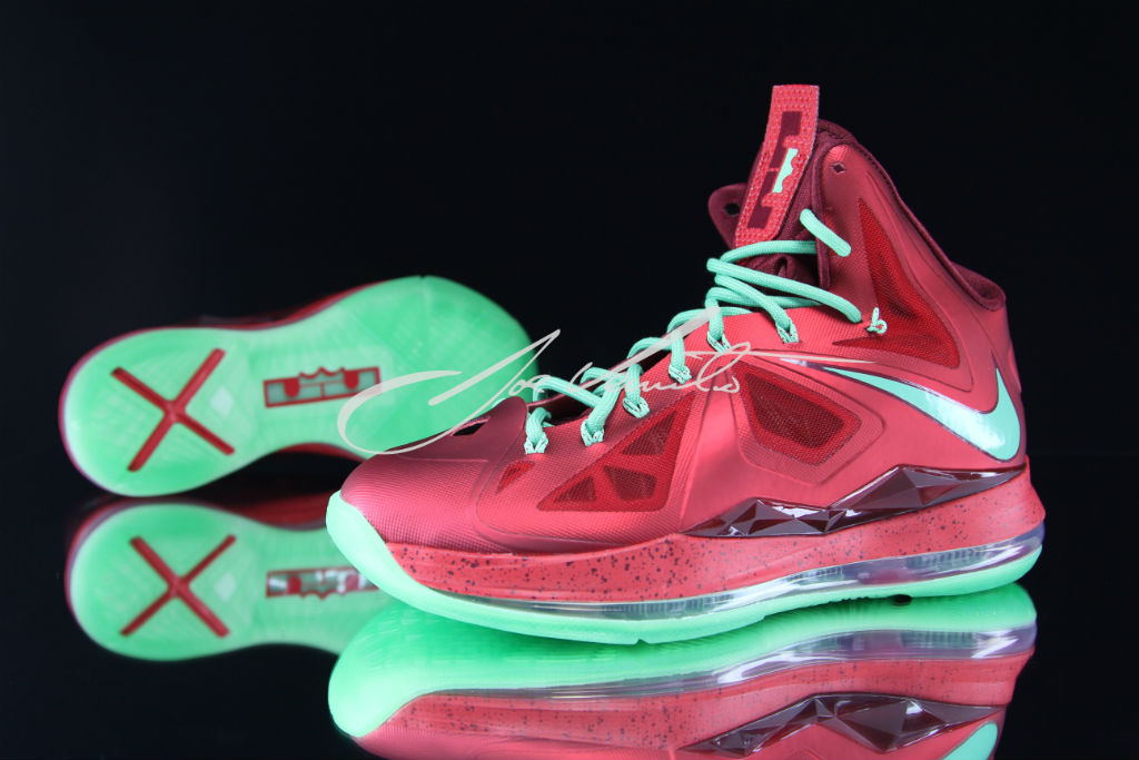Nike LeBron X - Christmas | Sole Collector