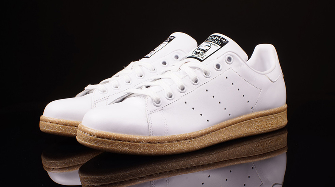 timeless design d6308 2fed7 Gum Bottoms for This New adidas Stan Smith