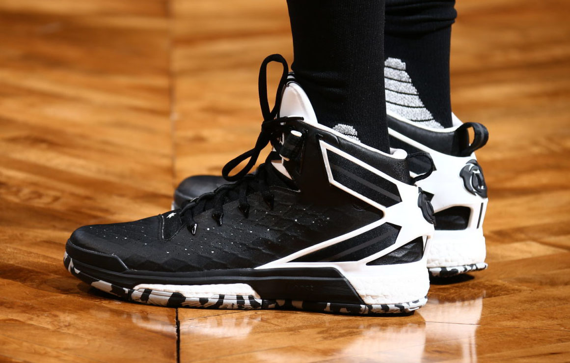 Derrick rose shoes black and white