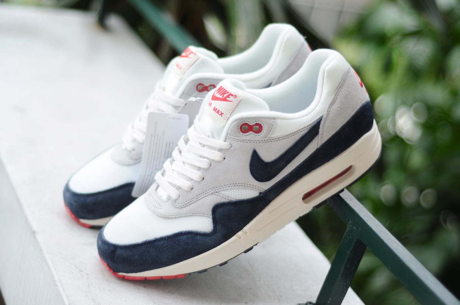 nike air max 1 white mid navy red stripes