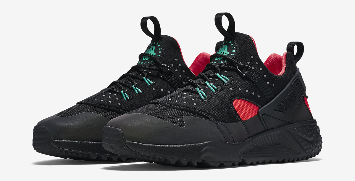 nike huarache black red sole