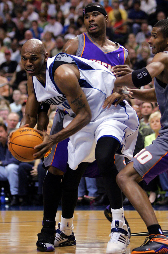 Quentin Richardson wearing Air Jordan XX 20 Phoenix Suns Away PE