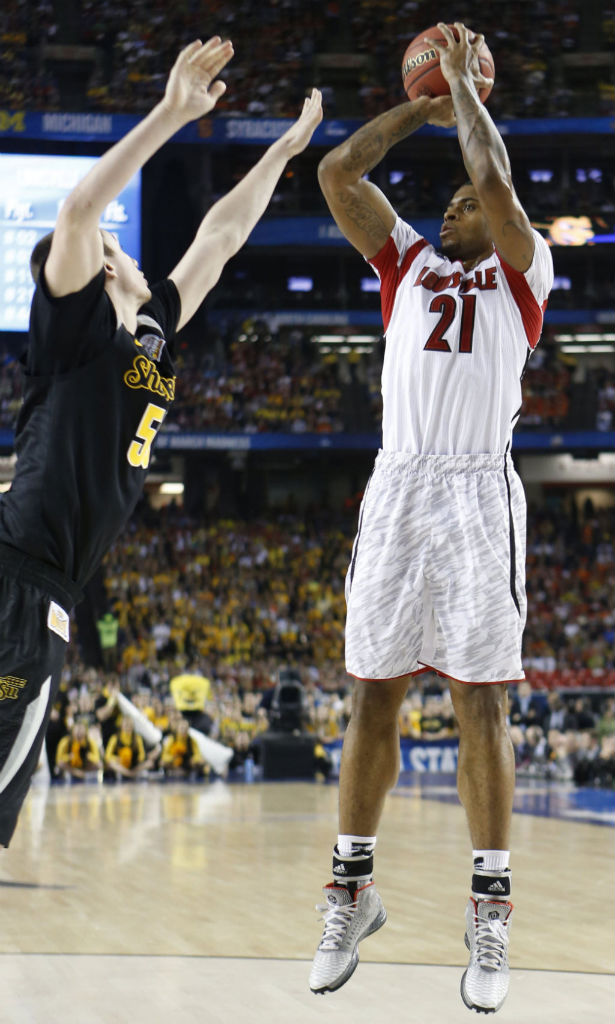 Chane Behanan wearing adidas Rose 3.5 Home