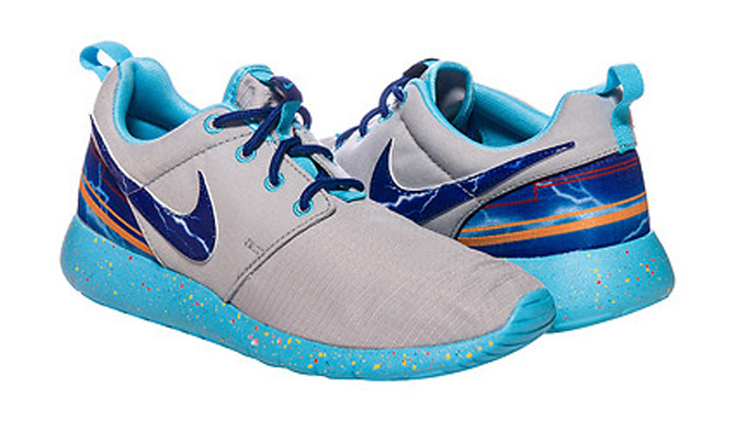 Both Of These Small Sized Nike Roshe Runs Are Up For Grabs Now At Retailers Like Jimmy Jazz