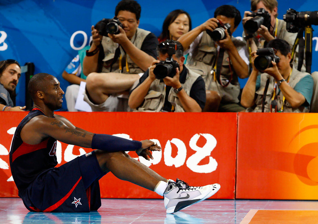 Kobe Bryant wearing the Nike Hyperdunk in the 2008 Olympics