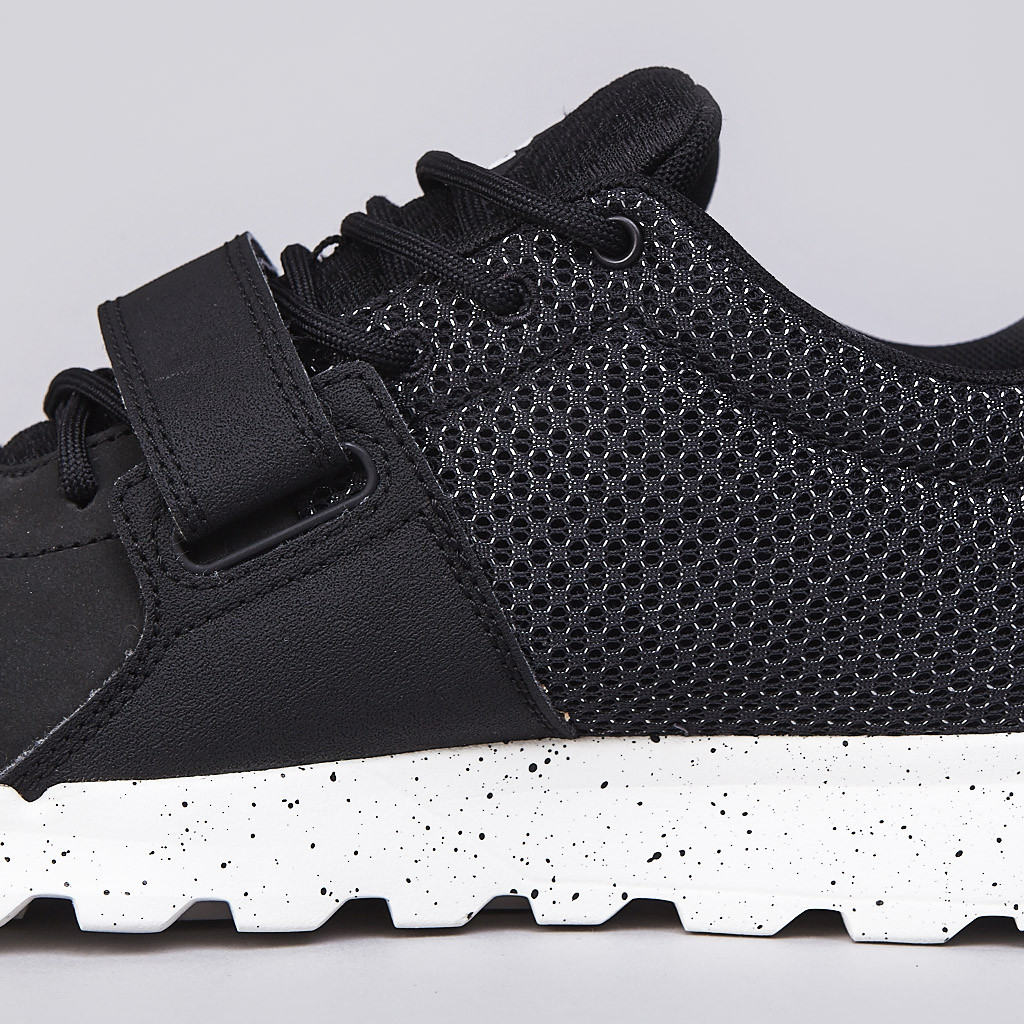 Nike ACG Trainerendor Low medial