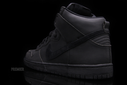 Nike Dunk High Premium SB Waterproof Black Black