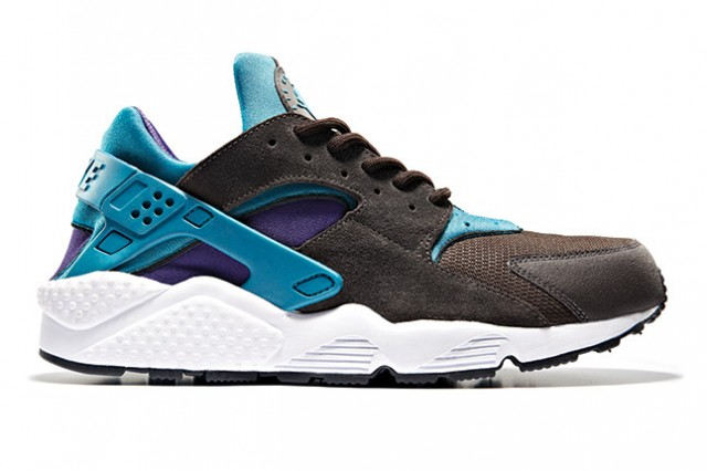 size x Nike Air Huarache blue purple black