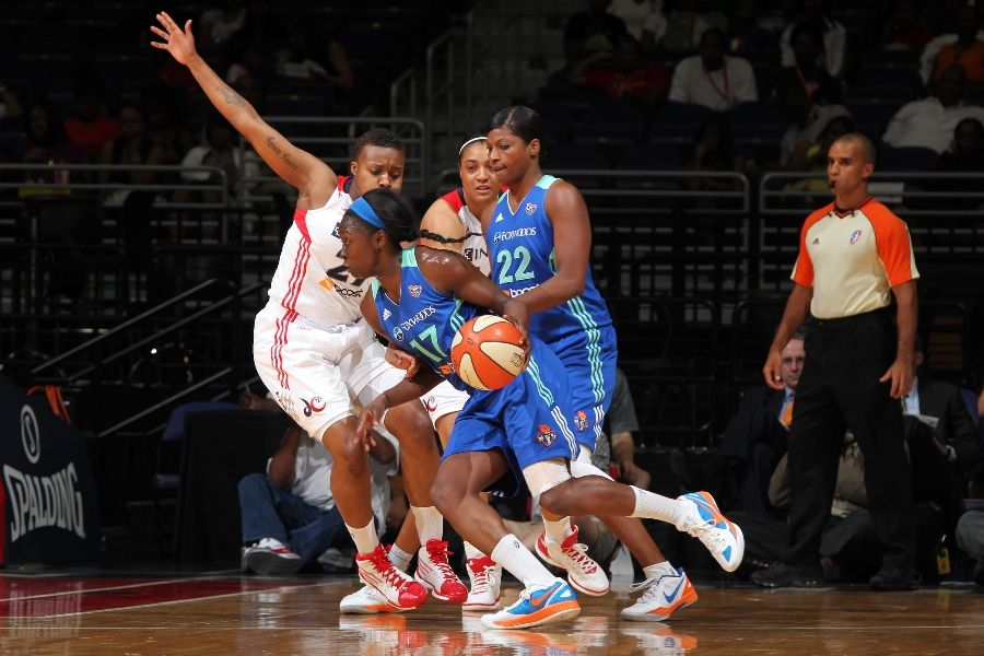 Essence Carson wearing Nike Zoom Hyperdunk 2011 Low PE