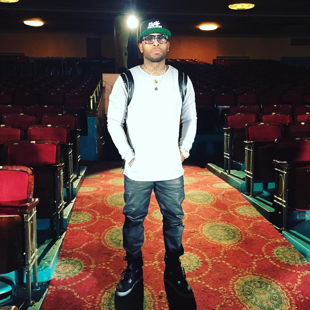 Royce da 5'9 Wearing the Eminem x Carhartt x Air Jordan 4