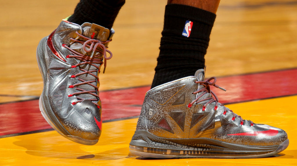 LeBron James wears Nike LeBron X Pewter Grey Red PE (10)