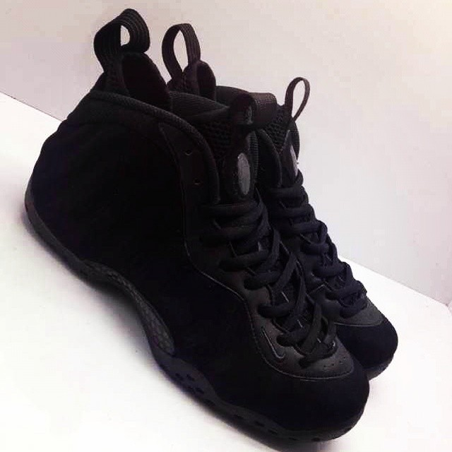 Nike Air Foamposite One Black Suede (1)