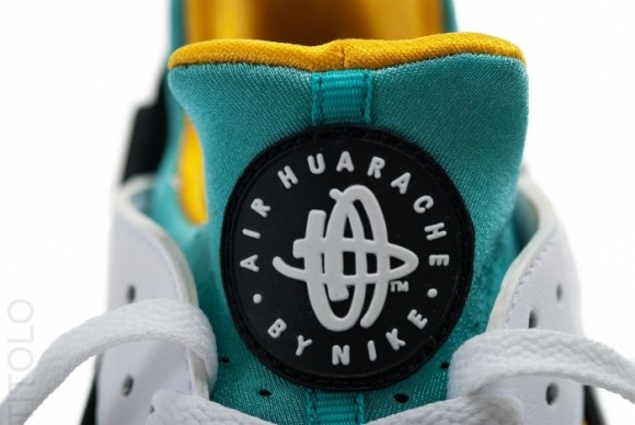 de Siempre explorar  Nike Air Huarache OG - White/Sport Turquoise-University Gold   Sole  Collector