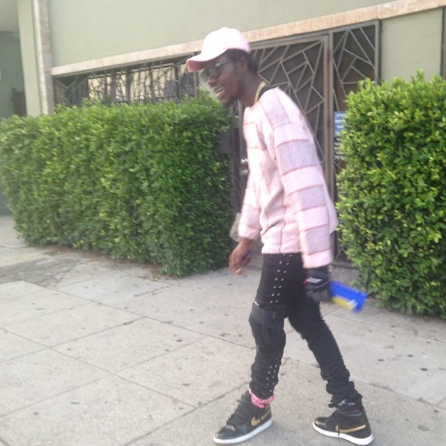 fdda3415b10737 Theophilus London wearing Air Jordan I 1 Black Gold