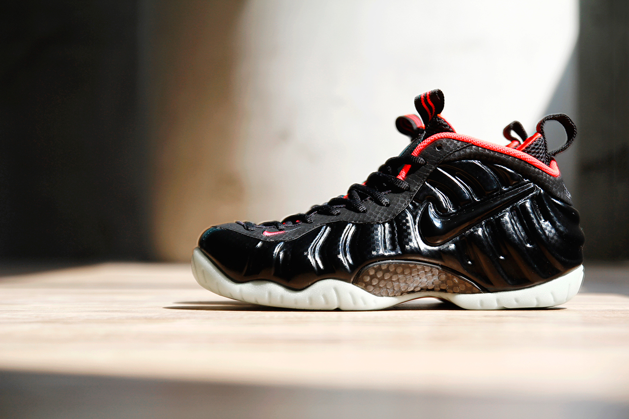 4ad7bee1819 We re provided with yet another look at this month s much talked about   Solar Red  Air Foamposite Pro by Nike Sportswear.