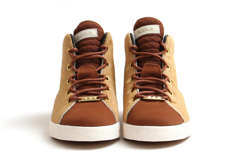the best attitude cac99 00913 The Nike LeBron 12 NSW Lifestyle