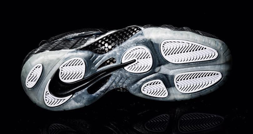 Silver Surfer Foamposite Sole
