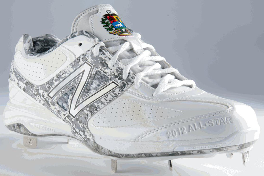 New Balance MB4040 2012 MLB All-Star Custom Cleats American League Venezuela (1)