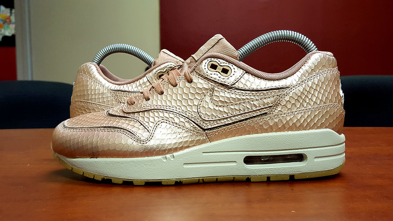 air max 1 cut out rose gold