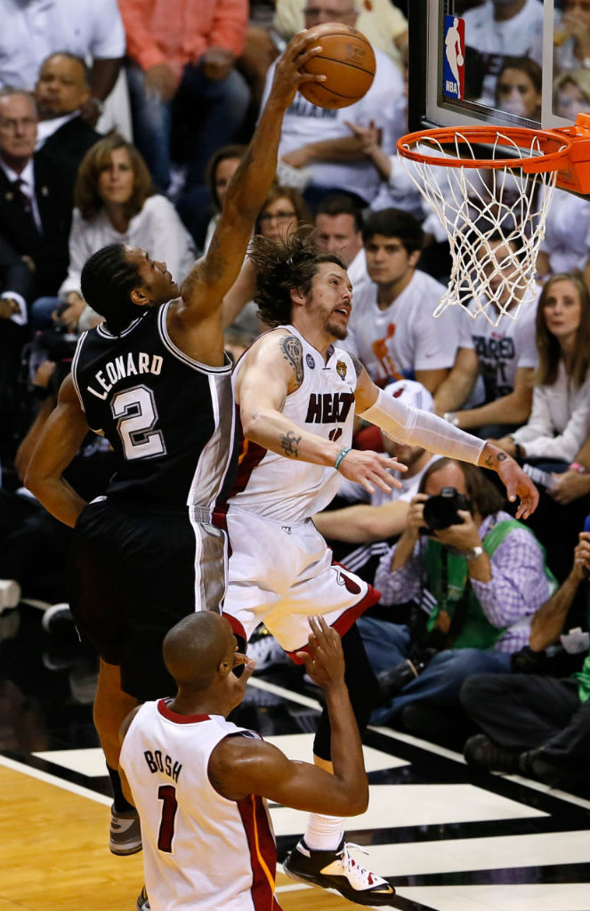 Kawhi Leonard Posterizes Mike Miller In Nike Air Force Max 2013 (1)