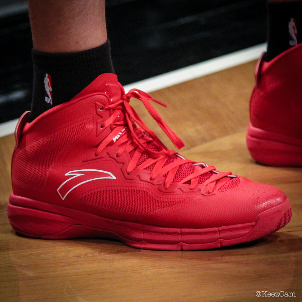 Chandler Parsons wearing ANTA Signature (3)