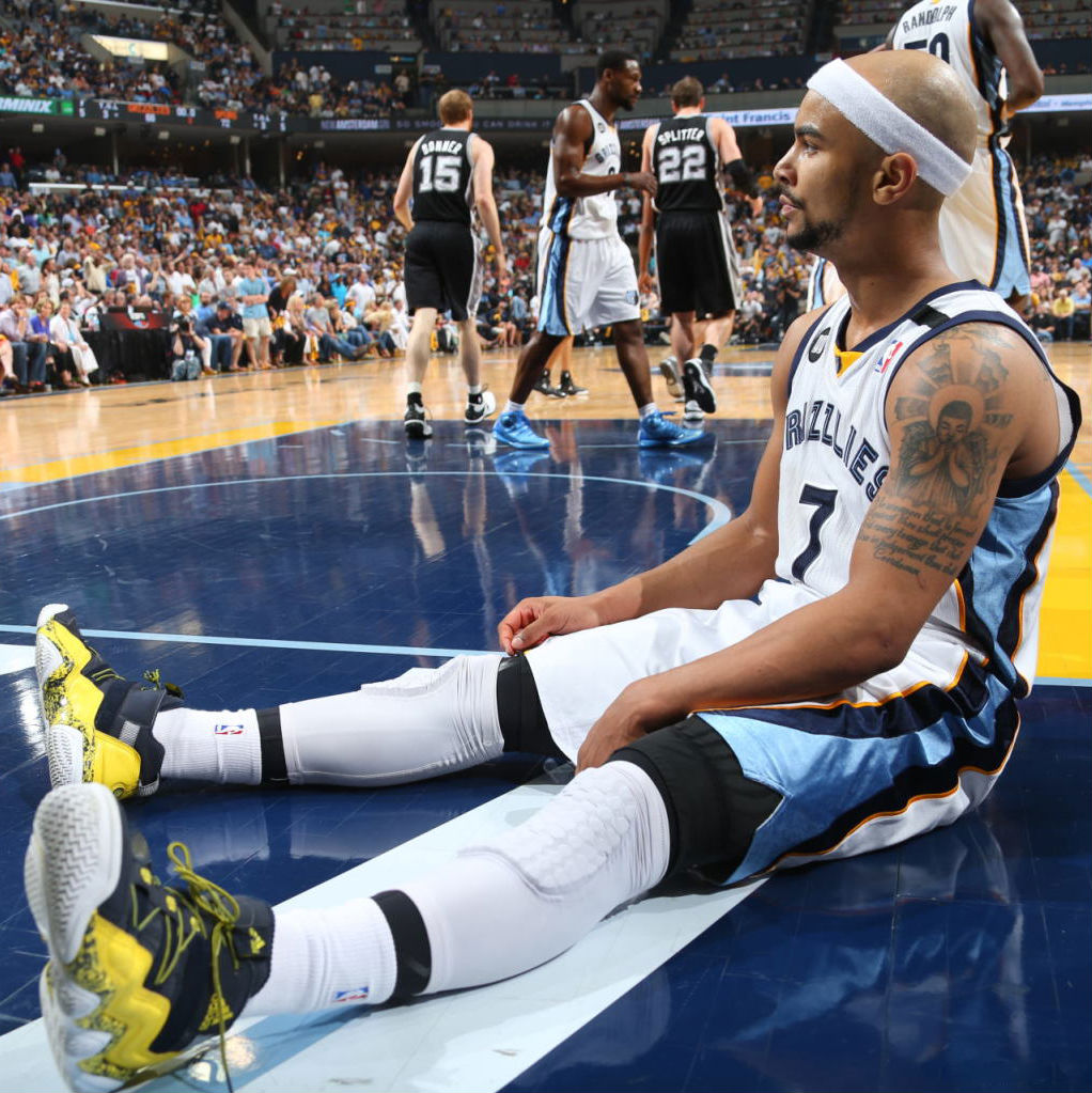 Jerryd Bayless wearing adidas Top Ten 2000 Rivalry Pack