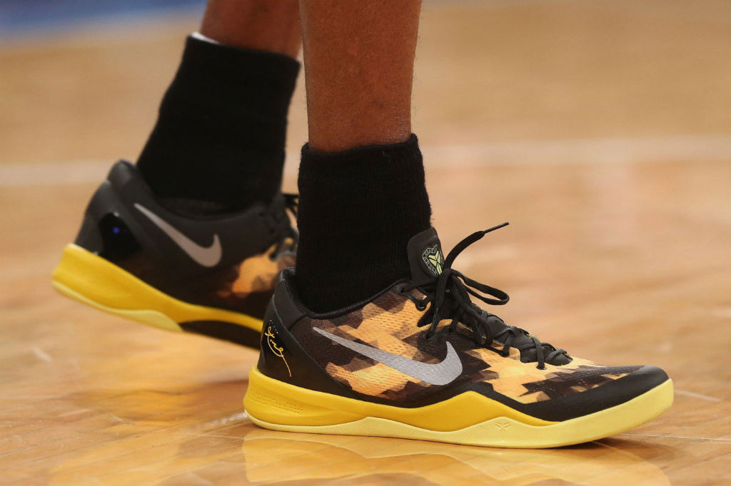 9475bb01523 Kobe Bryant wearing Nike Kobe 8 System Sulfur (6)