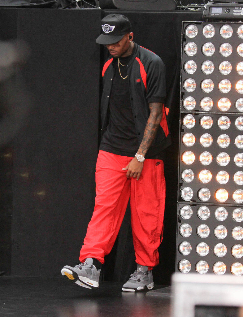 Chris Brown Wearing Cool Grey Air Jordan IV 4 Retro (11)