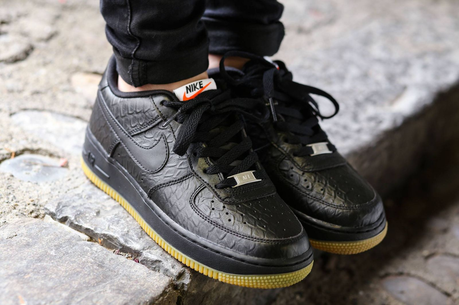 check out 5d205 2db17 Nike Air Force 1 Low