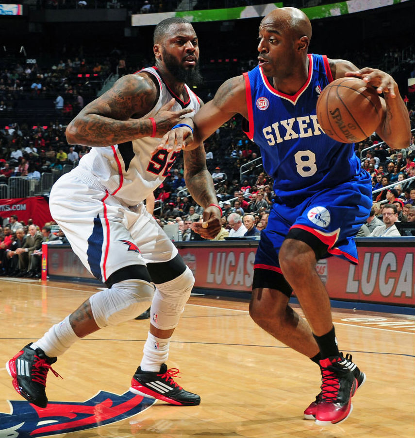 Deshawn Stevenson wearing adidas adizero Crazy Light 2 Low; Damien Wilkins wearing adidas Crazy Fast