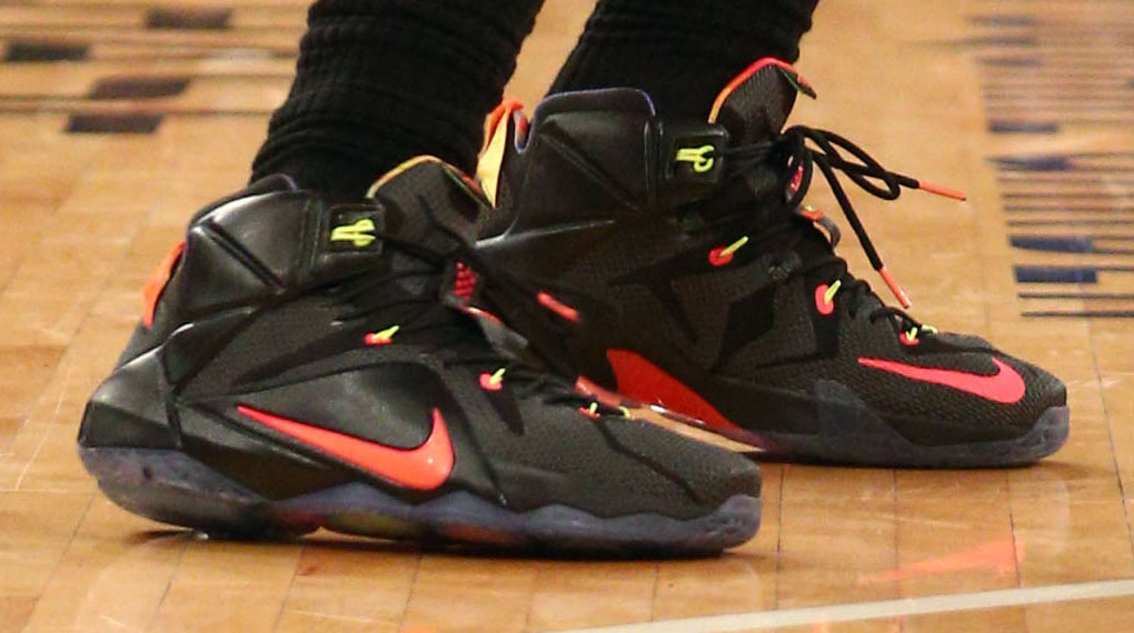 LeBron James wearing Nike LeBron XII 12 Data on December 4, 2014