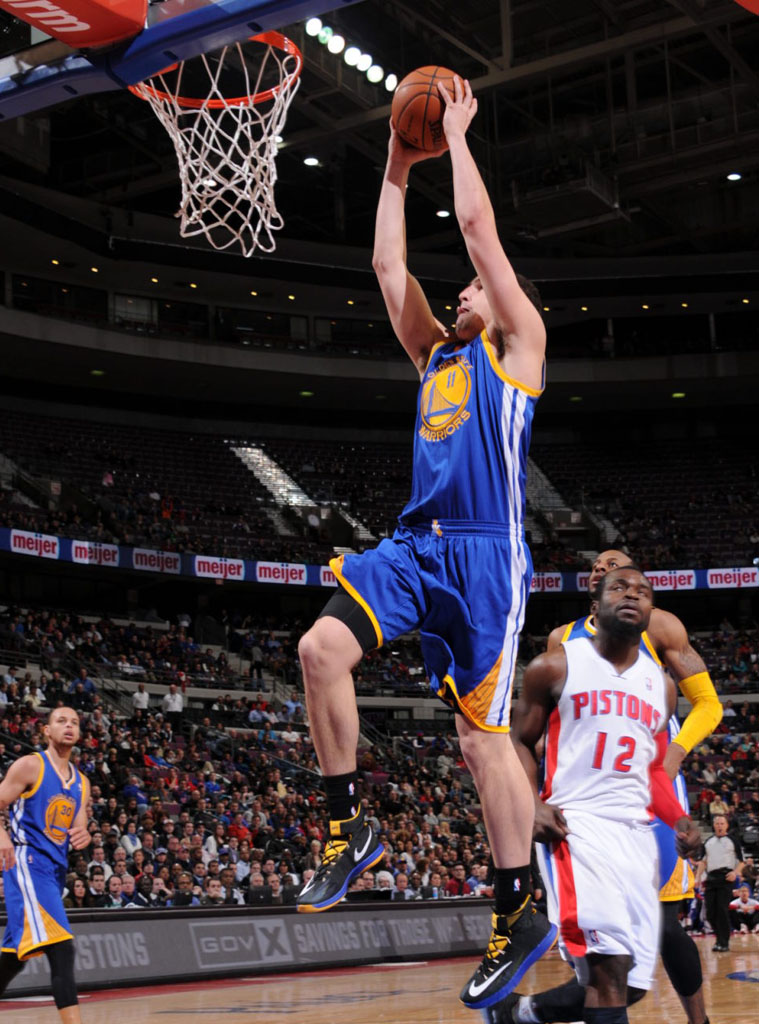 Klay Thompson wearing Nike Zoom HyperRev Black/Blue PE