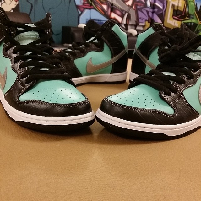 Chumlee Picks Up Nike Dunk High SB Tiffany