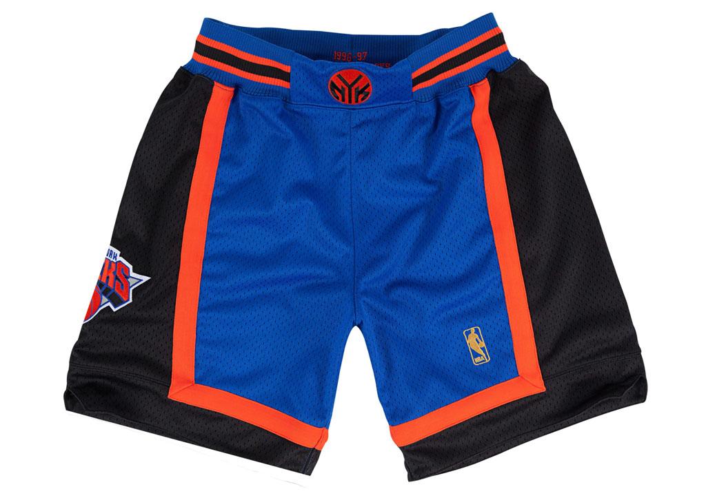 sale retailer 90799 2d4d8 Mitchell   Ness 1996-1997 New York Knicks Shorts