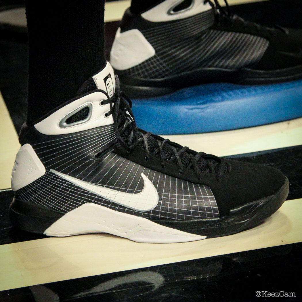 Sole Watch // Up Close At Barclays for Nets vs Cavs - Anderson Varejao wearing Nike Hyperdunk